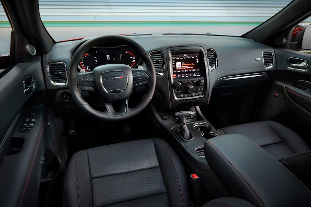 Interior view of 2018 Dodge Durango R/T