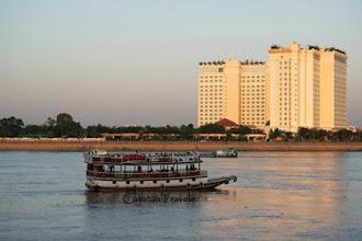 Telusur Sungai Mekong dari Dua Negara
