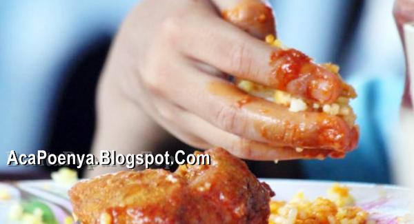 Manfaat Makan Pakai Tangan