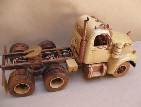 gambar truk miniatur