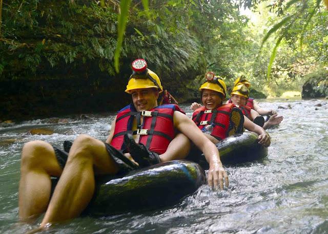 objek wisata goa lanang desa selasari kabupaten pangandaran