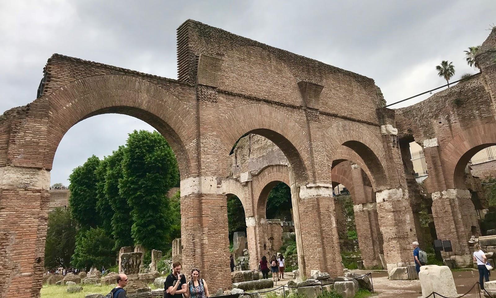 DriveByCuriosity: Photography: Visiting Forum Romanum
