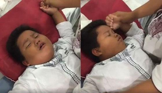 Video Lucu: Takut Disunat, Bocah Ini Pura-Pura Pingsan. Telolet Dah!