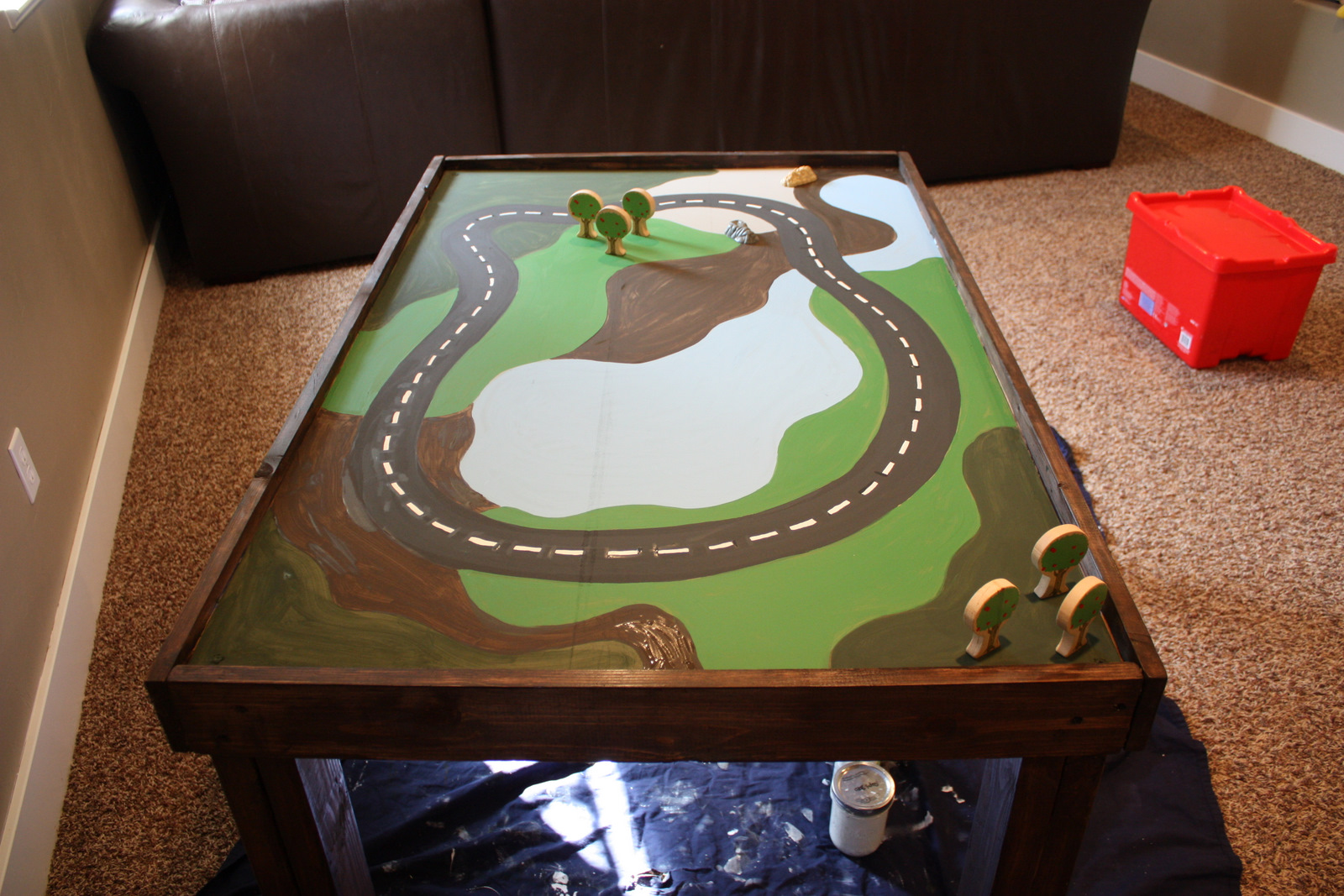 COUNTRY GIRL HOME : Our new DIY train table