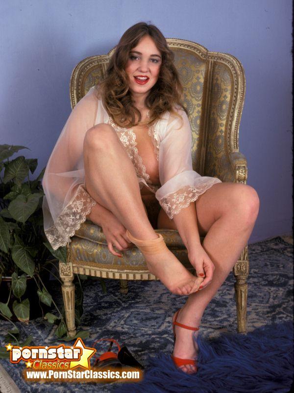 Annie little porn oral