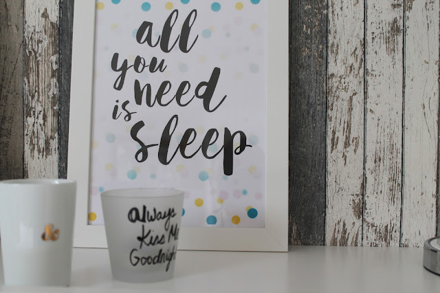 All you need is sleep Print titatoni at Jules kleines Freudenhaus Schlafzimmer Makeover