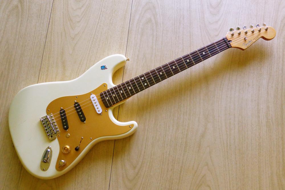 Origami Night Lamp: 1991 Fender Stratocaster, Part 1