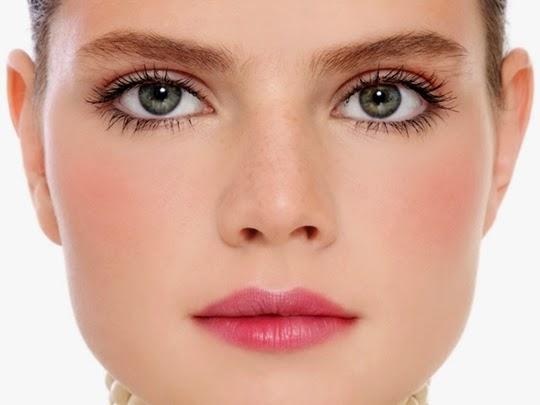 hasil pemakaian makeup berbahan mineral pada wajah