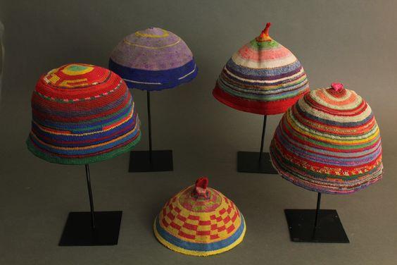 afrykanskie czapki szydelkowe