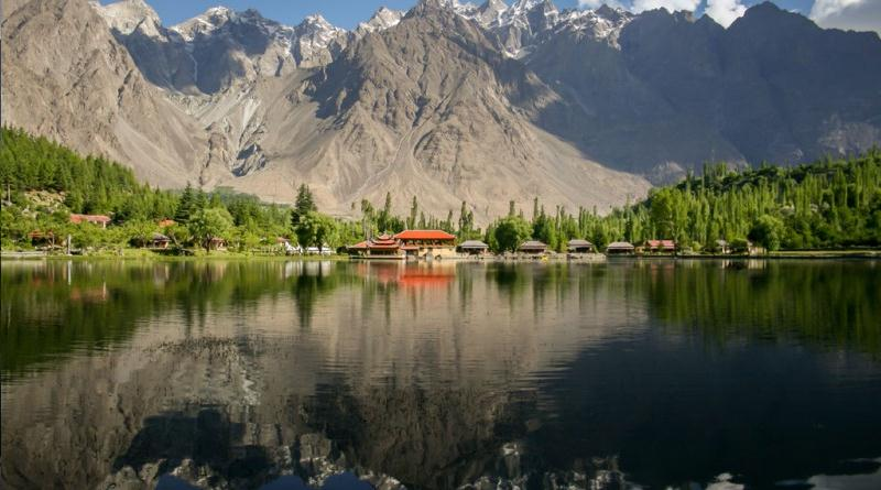 File:Shangrila Lake Skardu.svg