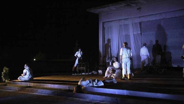 """Το ΦΟΥΓΑΡΟ υποδέχεται την θεατρική παράσταση του Μορφωτικού Συλλόγου Νέας Κίου """"Μ'ακούς Ευθαλία"""""""