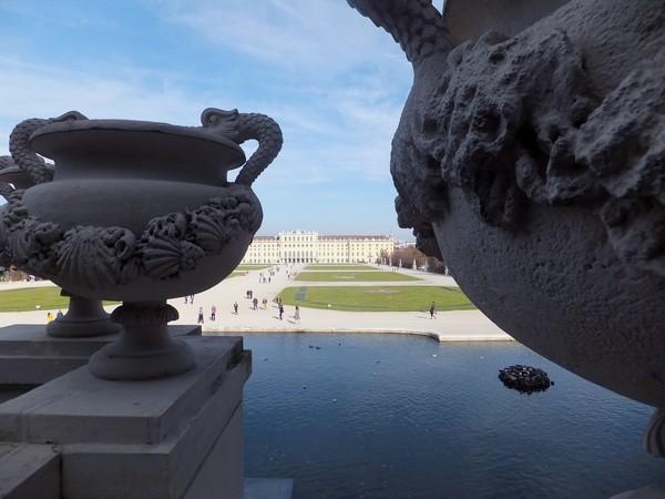 Vienne Wien château schönbrunn schloss parc fontaine neptune