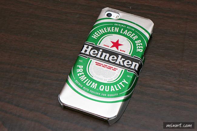 Ανακυκλώστε το κουτάκι της μπίρας μετατρέποντάς το σε θήκη κινητού