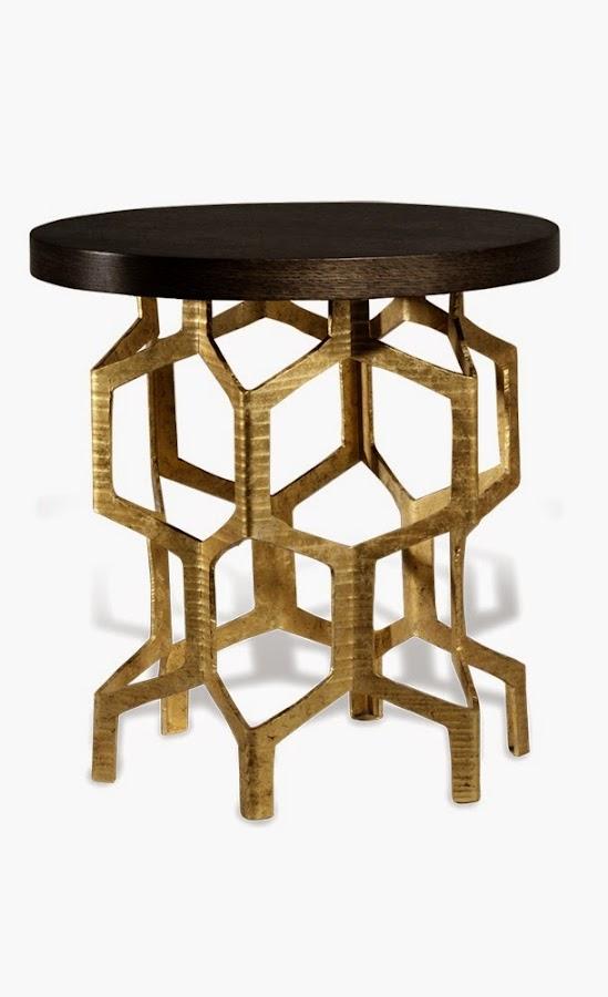 Mesa de laton con formas hexagonales