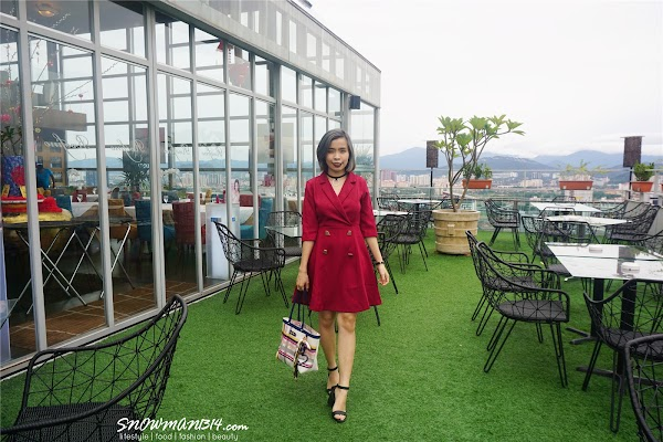 Red X Blue Dress Weekend Outfit #44