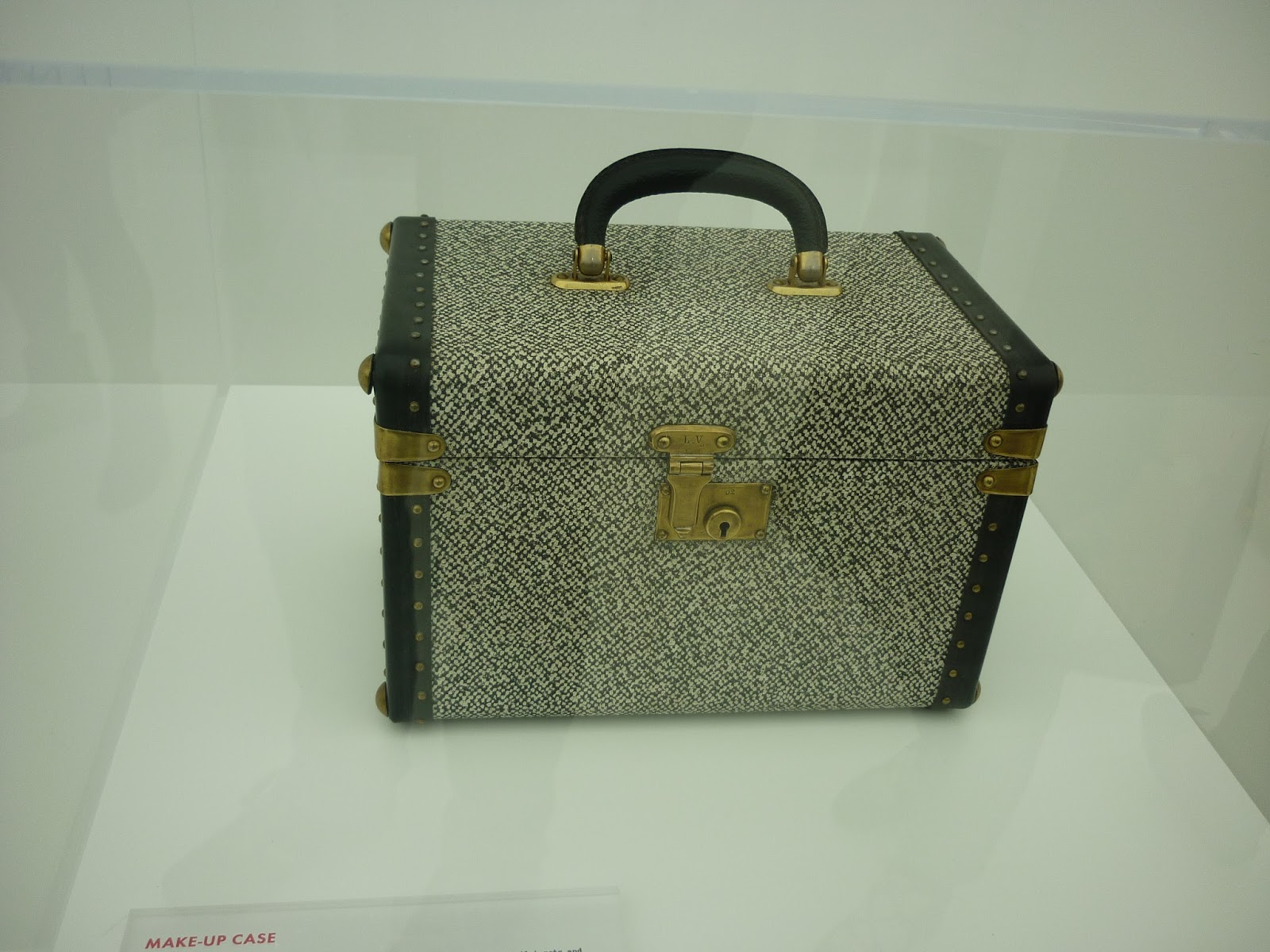 Make Up Case, Louis Vuitton Series 3 Exhibition | Petite Silver Vixen