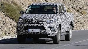 New Toyota Hilux 2017 off road truck spy shot pics
