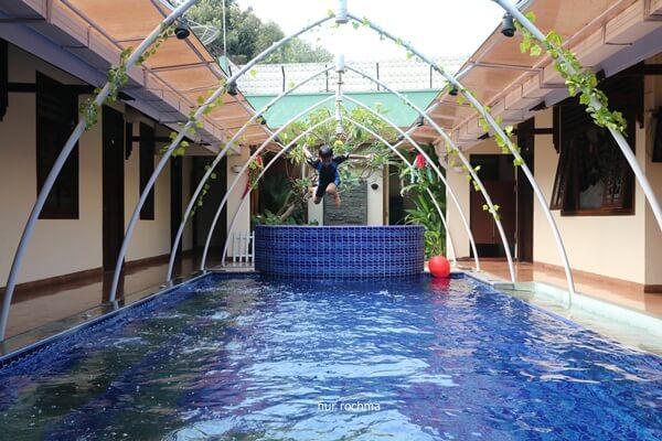 kolam renang airy lamongan malang