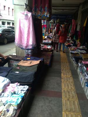 Wisata Belanja Menarik Pasar Baru Kota Bandung