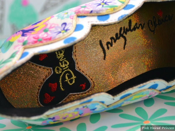minnie bow insole detail