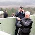 Phó Tổng thống Mỹ đến Hàn Quốc, đứng cách biên giới liên Triều 60m