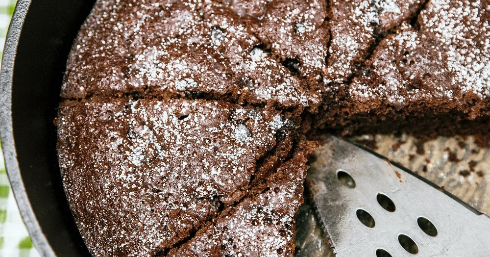 Dutch Oven Chocolate Cake Camping