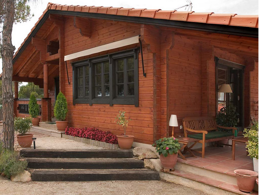 Timber Frame Houses Well Designed Pretty Small Wooden Guests House