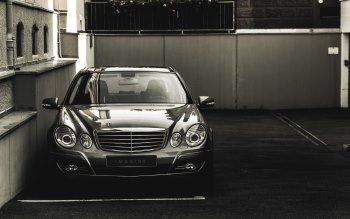 Wallpaper: Mercedes-Benz E500