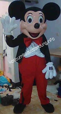 foto kostum karakter mickey mouse badut