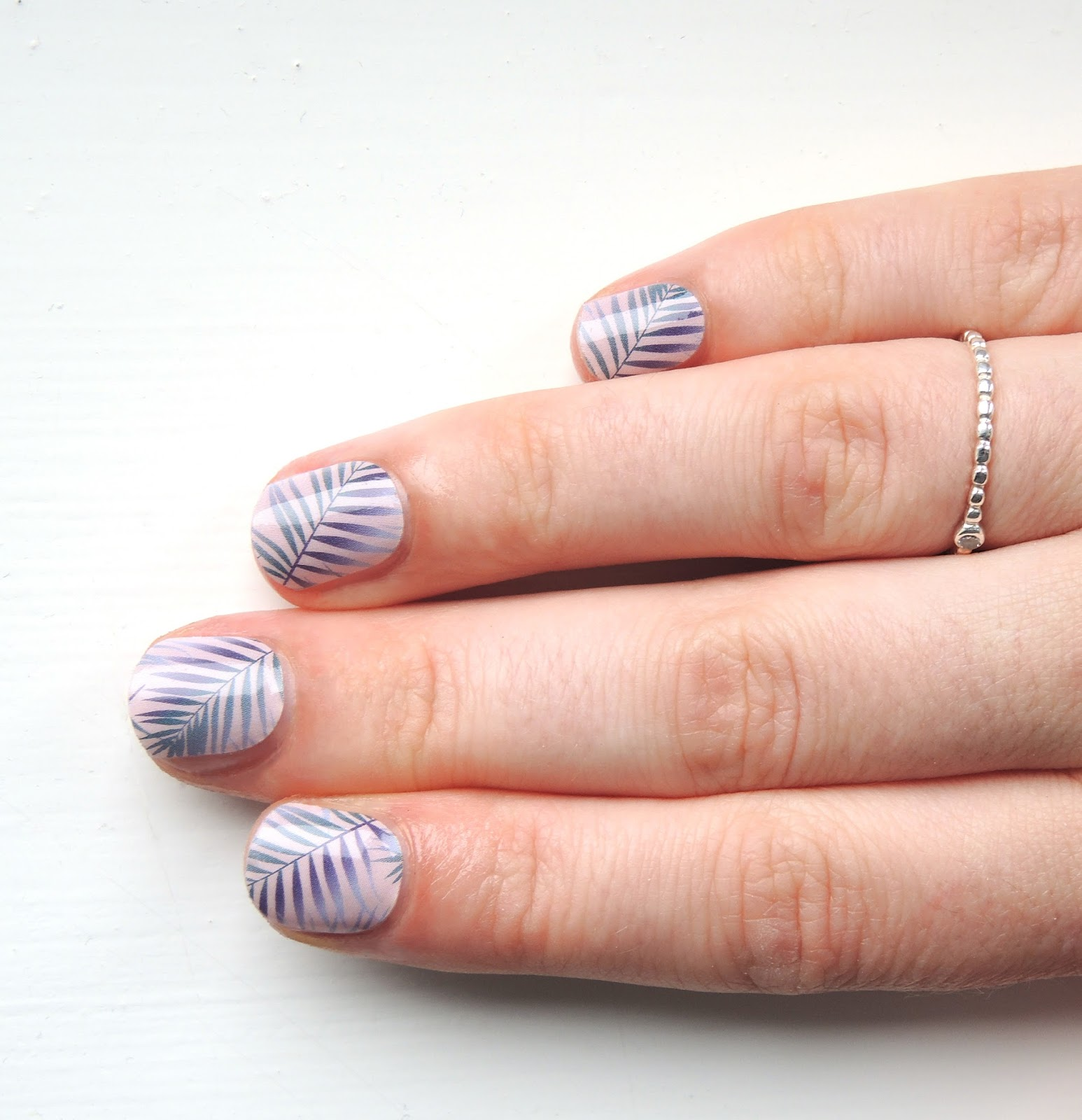 One Nail To Rule Them All: Jamberry Nail Wraps Review