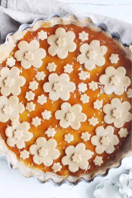 Crostata integrale con marmellata di albicocche