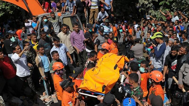 Evakuasi jenazah korban gempa 6,4 SR di Pidie Jaya