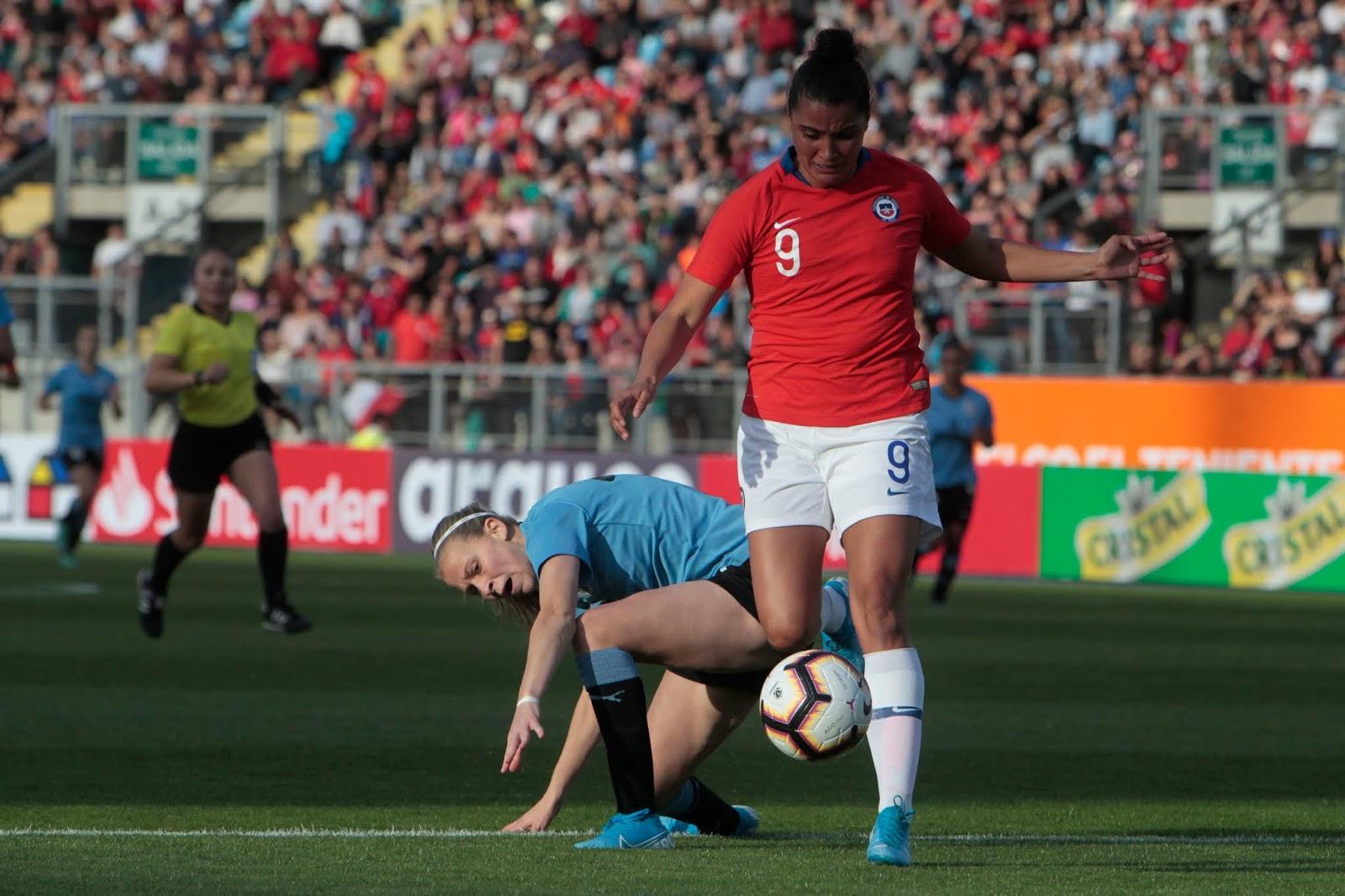 Chile y Uruguay en partido amistoso femenino, 8 de octubre de 2019