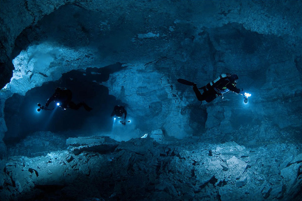 Funkydiving: Cave Diving
