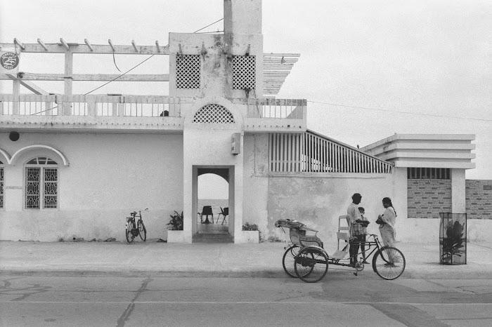 Pondichéry, Le Café, © L. Gigout, 1990