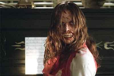 The Gravedancers, secuencia de la película con pianista diabólica.