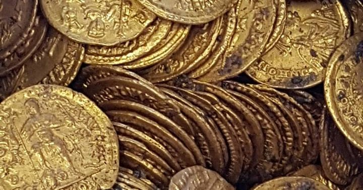 Coins & Paper Money Byzantine (300-1400 Ad) Latin Empire. Kind-Hearted Byzantine Bronze Coins