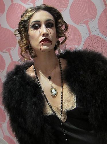 To da loos: Cool blogger & Celebrity bathroom: Suzanne Marques