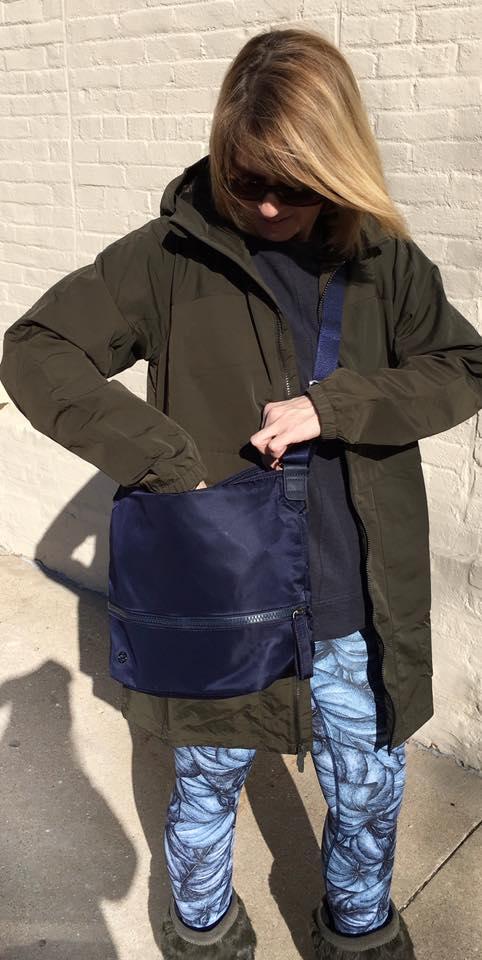 lululemon easy-as-jacket go-lightly-shoulder-bag free-to-flow-tights
