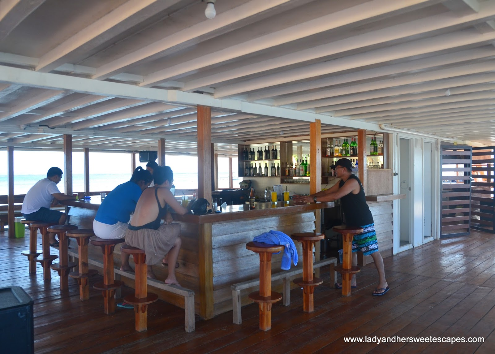 how to get to lakawon island