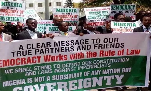 African Lawyers Protest at US Embassy over comment on IPOB