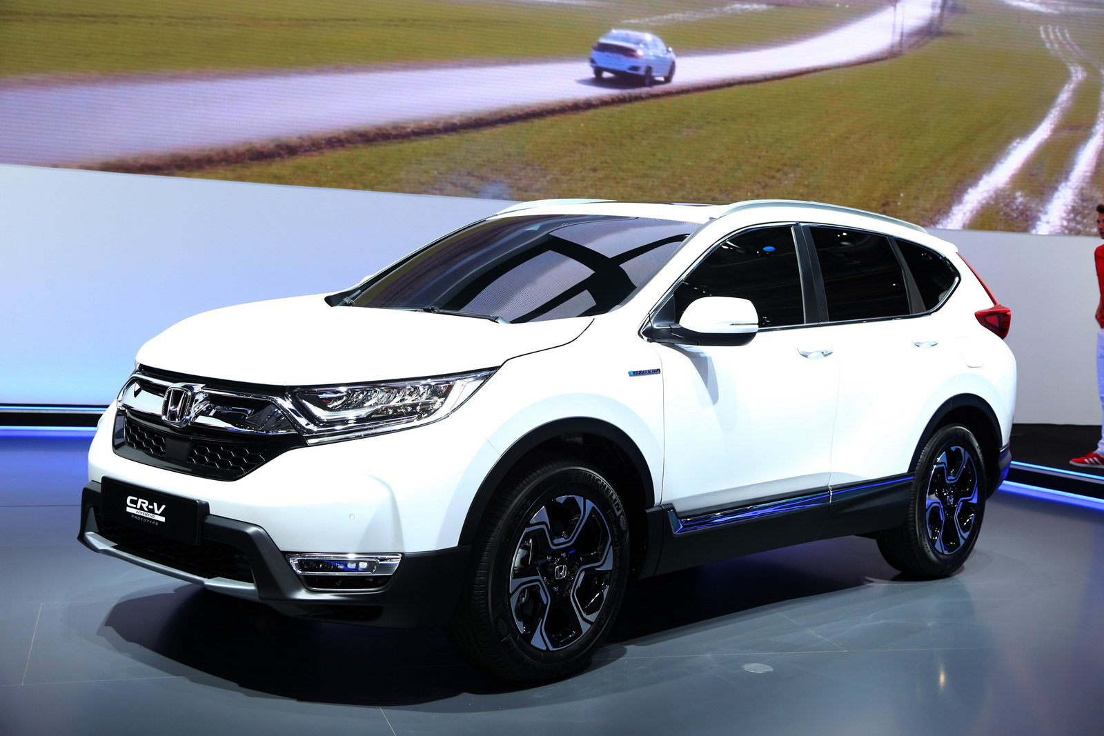 Honda Mrv 2018: Euro-Spec 2018 Honda CR-V Joins Team Hybrid After Ditching
