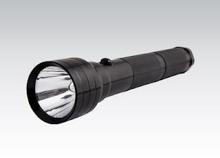 Aluminiowa latarka LED z Biedronki
