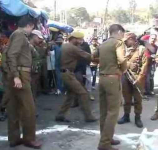 जम्मू ; बस स्टेशन पर ग्रेनेड अटैक एक की मौत, 30 लोग घायल, 5 संदिग्ध हिरासत में