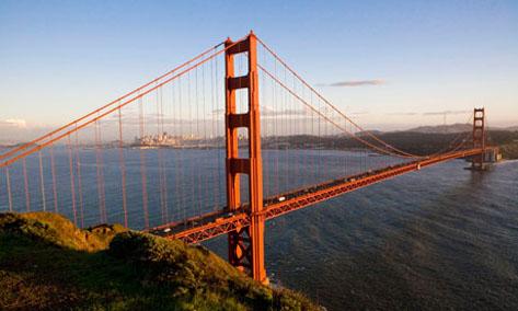 Jembatan Golden Gate di amerika serikat yang sering dijadikan tempat bunuh diri