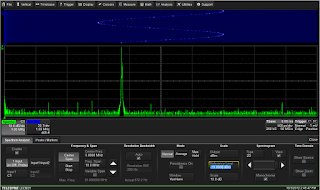 The setup dialog for the oscilloscope's spectrum- analysis application looks much the same as those found on dedicated spectrum analyzers
