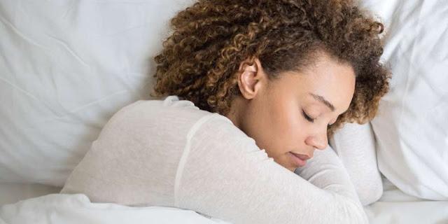 Tomar siestas es bueno para la salud, según la ciencia