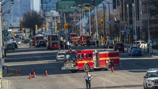 SUSPECT OF TORONTO VAN ATTACK QUIZZED AFTER 10 PEDESTRIANS KILLED