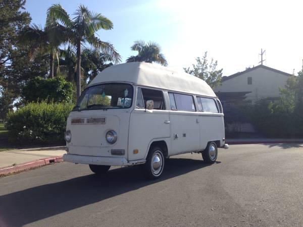 1970 VW Bus Sundial Camper