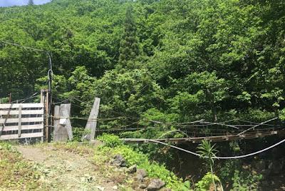 滑川大滝への吊り橋(閉鎖中)